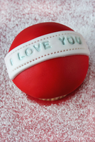 A cupcake with I LOVE YOU written in the icing for Valentine's Day