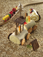 Steam train cake with biscuits and jelly figures