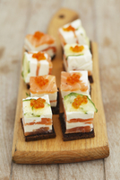 Cream cheese & smoked salmon terrine with courgette and caviar, on pumpernickel 22199080637| 写真素材・ストックフォト・画像・イラスト素材|アマナイメージズ