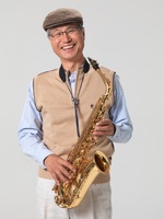 An old man with a saxophone,Korean
