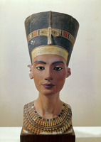 Head of Queen Nefertiti: front view (plaster cast)