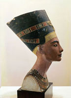Head of Queen Nefertiti: in profile (plaster cast)