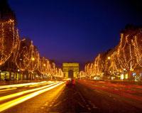 シャンゼリゼ大通りのクリスマスイルミネーション