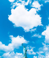 青空と自由の女神 22257000832| 写真素材・ストックフォト・画像・イラスト素材|アマナイメージズ