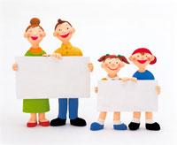 ホワイトボードを持つ家族 イラスト