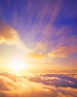 雲海と朝日と流れる雲