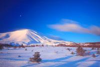 浅間山と流れる雲 朝景