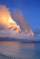 入道雲と雷と虹とファナップ島夕景