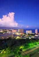 黎明のタモン湾のホテル街