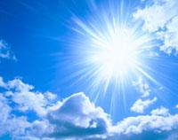 雲と太陽の光芒