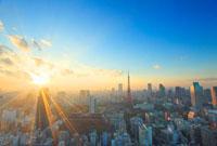 東京タワーとビル群と夕日