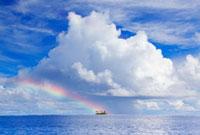 入道雲と虹とフェリフ島