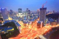 赤坂見附交差点と赤坂のビル群の黎明の夜景