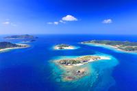 安慶名敷島と嘉比島など慶良間諸島の空撮