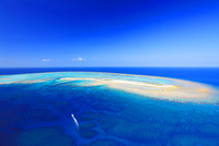 ナガンヌ島とクルーザー