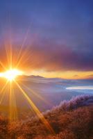 高ボッチ高原の霧氷と富士山と諏訪湖と朝日
