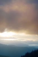 高ボッチ高原から望む八ケ岳と富士山と朝日と雲海
