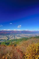陣場形山から望む木曽駒ヶ岳と駒ヶ根市街