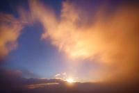 朝の三笠山から望む木曽駒ヶ岳方向の流れ動く雲と雲海 22320040743| 写真素材・ストックフォト・画像・イラスト素材|アマナイメージズ