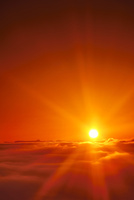 十観山から望む荒船山と雲海と朝日