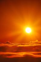 十観山から望む田口峠方向の雲海と朝日