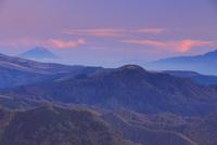 王ヶ鼻から望む富士山と夕焼け