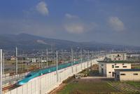 新函館北斗駅南東約100mから望む北海道新幹線 22320041460| 写真素材・ストックフォト・画像・イラスト素材|アマナイメージズ