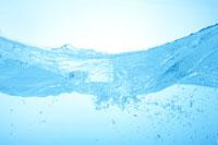波打つ水面の断面 22321021748| 写真素材・ストックフォト・画像・イラスト素材|アマナイメージズ