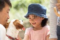 女の子と子犬 桜の宮公園