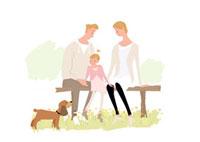 公園のベンチで犬と戯れる父母と娘