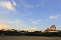 夕陽に輝く 姫路城 白鷺城 大天守 紅葉 世界文化遺産遺産