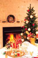 暖炉の前でクリスマス