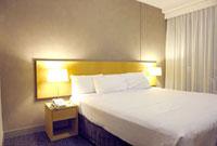 ベッドルーム 22361004385| 写真素材・ストックフォト・画像・イラスト素材|アマナイメージズ