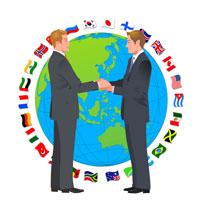 握手をするビジネスマン 22370000223| 写真素材・ストックフォト・画像・イラスト素材|アマナイメージズ