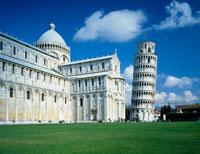 ピサの斜塔とドゥオーモ 22388000121| 写真素材・ストックフォト・画像・イラスト素材|アマナイメージズ