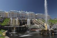 ペテルゴーフ宮殿とサムソンの噴水