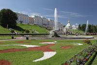 ペテルゴーフ宮殿の庭園と噴水