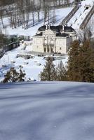 雪のリンダーホフ城