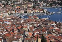 ロビィニ旧市街の家並み俯瞰