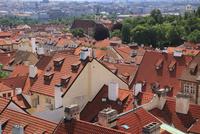 赤い屋根が広がるマラー・ストラナ側の街並み