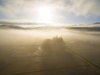ドローンによる八幡高原の朝 22451035014| 写真素材・ストックフォト・画像・イラスト素材|アマナイメージズ