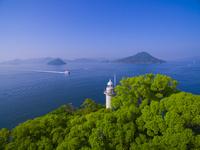 ドローンによる宇品灯台と広島湾