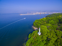 ドローンによる宇品灯台と広島市街