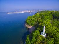 ドローンによる宇品灯台と広島市街 22451035093| 写真素材・ストックフォト・画像・イラスト素材|アマナイメージズ