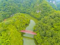 ドローンによる帝釈峡の神竜湖 22451035285| 写真素材・ストックフォト・画像・イラスト素材|アマナイメージズ