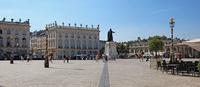 フランス ナンシーのスタニスラス広場 22585002263| 写真素材・ストックフォト・画像・イラスト素材|アマナイメージズ