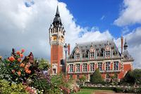 フランス カレー市庁舎の鐘楼 22585002267| 写真素材・ストックフォト・画像・イラスト素材|アマナイメージズ