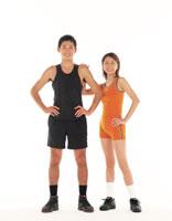 スポーツウェアのカップル