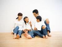 家族 22600004447| 写真素材・ストックフォト・画像・イラスト素材|アマナイメージズ