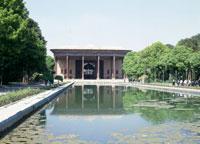チェヘル・ソトゥーン宮殿